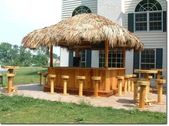 Deck Design Gallery/Tiki Huts And Bars/Tiki-bar-and-tables